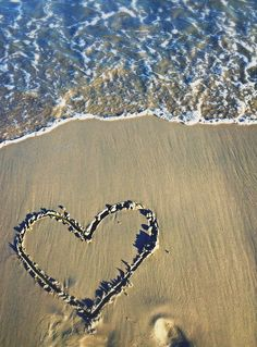 Love the beach ❤️ Beach Bum, Summer Beach, Watch Wallpaper, Beach Wedding Photography, Summer Photos, Creative Photos, Happiness, Explore, The Beach