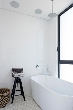 L shaped house designed to have the park with Eucalyptus trees seen as a continuation of its own garden - Page 3 of 3 - CAANdesign Cheap Bathrooms, Small Bathroom, L Shaped House, Moving Walls, Ultra Modern Homes, Bathroom Trends, Bathroom Ideas, Home Decor Inspiration, Home Interior Design