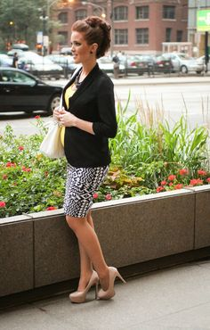 The Freckled Fox : Maternity Style // All Business with a Faux Hawk