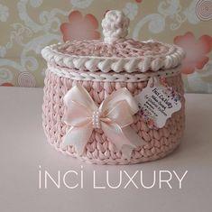 Hayirli Bayramlar❤️❤️ # elemegi I Crochet Bowl, Crochet Basket Pattern, Cute Crochet, Crochet Yarn, Crochet Gifts, Crochet Baskets, Owl Basket, Basket Bag, Crochet Flowers