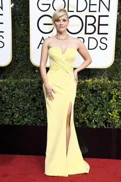 Reese Whitherspoon in Atelier Versace, Golden Globes 2017 Red-Carpet Looks