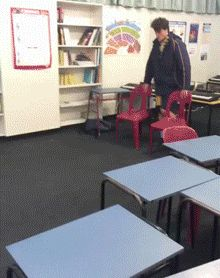 Lol trop bien fait mais le dab non 😂 Video Humour, Gif Humour, Funny Webcomics, Funny Cute, Hilarious, Thug Life, Funny Moments, I Laughed, Funny Pictures