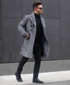 Mens fashion streetwear outfits style For today's style of the day, we picked a more casual approach with black Chelsea boots, black pants, a black turtleneck and an exquisite grey coat. Mode Masculine, Fashion Mode, Urban Fashion, Style Fashion, Fashion Black, Black Men Winter Fashion, Classy Mens Fashion, Fashion Styles, Fashion Photo