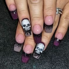 Dripping skulls by Oli123 from Nail Art Gallery