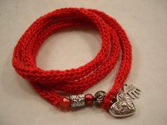 Wickelarmband aus Strickliesel-Schnur rot von Fräulein Hille auf DaWanda.com
