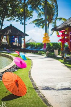 Ideas for a Beautiful Beach Wedding | Kitsch decor idea | Chinese umbrellas on the beach| Poolside wedding | Indian destination wedding insiration | Every Indian bride's Fav. Wedding E-magazine to read. Here for any marriage advice you need | www.wittyvows.com shares things no one tells brides, covers real weddings, ideas, inspirations, design trends and the right vendors, candid photographers etc.