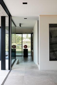 PIETRA DEI MEDICI - poco veccio Hall Wall Decor, Concrete Look Tile, Porch Tile, Marble Room, Natural Stone Flooring, Boutique Homes, Cool Rooms, Kitchen Flooring, Home Interior Design