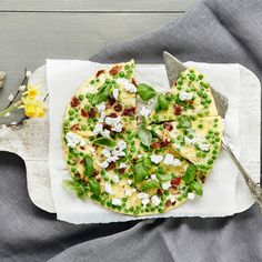 Herne-vuohenjuustofrittata | K-ruoka #pääsiäinen #pääsiäisbrunssi