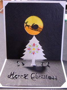少し早いですがクリスマスカードを作ってみました。月には和紙を貼っておりまして、光で照らすと黄色が綺麗に映えます。画像のように照らし具合によってはちょっとした影...|ハンドメイド、手作り、手仕事品の通販・販売・購入ならCreema。