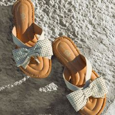 Cute and comfortable! Yep Yep, Cloths, Comfy, My Favorite Things, Sandals, My Style, Pretty, Cute, Beauty