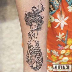 Sereia da @monalisaoliver Obrigado mais uma vez #sereia #pontilhismo #tatuagemfeminina #praia #mar #concha #mermaid #dotwork #dotworktattoo #femininetattoo #beach #sea #shell #3rl $7rl