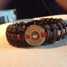 Shotgun Cartridges and Paracord Bracelet. Ammo Jewelry, Jewelry Crafts, Jewelery, Ammo Crafts, Bullet Crafts, Paracord Keychain, Paracord Bracelets, Survival Bracelets, Paracord Armband