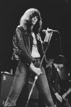 Joey Ramone: Born: 1951-05-19 - Died: 2001-04-15