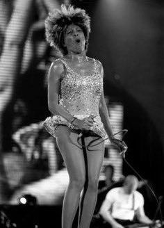Everyone Loves Those Legs! Tina Turner, Female Rock Stars, Rock Queen, Rock And Roll Bands, Motown, Women In History, Female Singers, Old Women, Music Songs