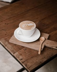 Gotta have that mid-week morning caffeine to make it through the rest of the week! What's your drink of choice to get through the work week? ☕️ ⠀ ⠀ #coffee #localcafe #twogingerspades #morningbrew #relaxation #coffeelove #almondmilklatte #hotchocolate Best Coffee, My Coffee, Morning Coffee, Beach Color Palettes, Easy Shots, French Press Coffee Maker, Iced Latte, Coffee Accessories, Branding