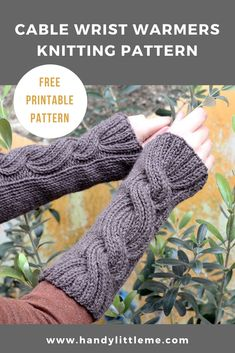 Make a pair of chunky knit cable wrist warmers with this free knitting pattern. Winter Knitting Patterns, Knitted Mittens Pattern, Fingerless Gloves Knitted, Crochet Gloves, Hat Patterns, Stitch Patterns, Crochet Arm Warmers, Wrist Warmers, Vogue Knitting