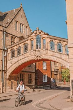16 Best Things To Do In Cambridge, England Beautiful Places To Visit, Cool Places To Visit, Amazing Places, Oxford England Travel, Oxford City, British Travel, Castles In England, English Countryside, London England