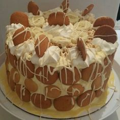 Love the look for this Banana Pudding Cake. Recipe is on a different pin if you look thru the board Cakes & Cupcakes.