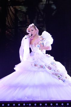Ayumi Hamasaki's beautiful outfit for her 15th anniversary tour.