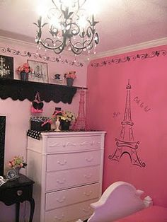 Kinda sad I can't paint her walls pink....we'll just have to use prints/posters instead!
