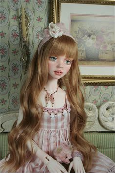 BJD doll - Cassie doing pink Pink Grapefruit, Fantasy Women, Dolls Dolls, Abaya Fashion, Ball Jointed Dolls, Big Eyes, Little People, Clay Art, Beautiful Dolls