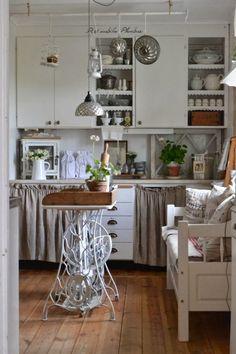 60-idees-pour-recycler-une-vieille-machine-a-coudre-ilot-de-cuisine-4