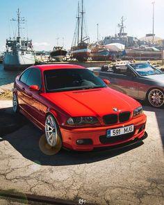 Loving this E46. #Stancest18 E46 Cabrio, Bmw E46 Sedan, Bmw 3 E46, E46 Coupe, E46 330i, Honda Civic 1998, Honda Cb, Bmw Old, Bmw Girl