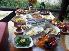 Turkish breakfast Turkish Breakfast, Brunch, Home Food, Turkish Recipes, Recipe Of The Day, Meal Prep, Delish, Food And Drink, Favorite Recipes
