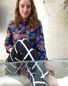 Floral jacket, checkers trousers - www.deutrechtsemoderevolutie.nl - De Utrechtse Mode Revolutie - Fashion inspiratie en shopping tips uit Utrecht - Fashion inspiration and shopping tips
