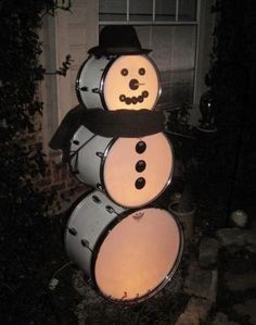Christmas Drummer Snowman via Rod Bruyette on FB Christmas Holidays, Christmas Crafts, Merry Christmas, Christmas Decorations, Xmas, Stage Decorations, Christmas Candles, Christmas Snowman, Music Furniture
