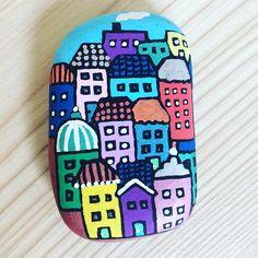 #rockart #rockpainting #stonepainting #myart #art #handmade #creative #paintedstone #craft #stoneart #rockart #paintedrocks #rock #stone #acrylic #posca #acrylicpainting #houses #city