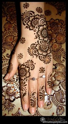 With the passage of time mehndi designs are becoming one of the most famous ones. There are varieties of new mehndi designs that have been introduced inside the fashion marketplace. We all know that the main aim of mehndi designs … Continue reading → Henna Tattoo Designs, Henna Tattoos, Mehandi Designs, Mehndi Tattoo, Mandala Tattoo, Henna Foot Designs, Arte Mehndi, Mehndi Art, Henna Mehndi