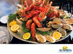 #gastronomiaguerrerense Prueba los deliciosos mariscos de Acapulco. LAS MEJORES RECETAS. Acapulco es famoso por sus mariscos, tanto que las personas van solamente a comerlos desde la capital y desde muchos otros estados de nuestro país. Aquí podrás encontrar de todos los tipos que hay y la forma en que los preparan, no la encontrarás en ningún otro lado. Te invitamos a disfrutar de los ricos mariscos que han hecho famoso al hermoso puerto de Acapulco. www.fidetur.guerrero.gob.mx