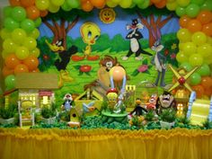 Ok, I know this is over the top, but still cute Looney Tunes Bebes, Looney Tunes Party, Kids Party Decorations, Party Themes, Party Ideas, Baby Birthday, Birthday Parties, Abc Party, Baby Shower Themes