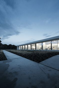Kristalia New Headquarters / Sandro Burigana | ArchDaily