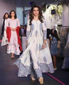 Designer dresses - Shop for designer dresses Pakistani Dress Design, Pakistani Dresses, Indian Dresses, Indian Outfits, Kurti Pakistani, Kurta Designs Women, Salwar Designs, Stylish Dresses, Casual Dresses