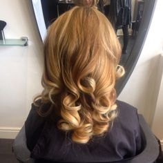 Thank you Indulge Hair for my gorgeous colour and curly blow-dry!