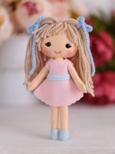 Handmade Dolls Patterns, Felt Doll Patterns, Felt Animal Patterns, Stuffed Toys Patterns, Handmade Ideas, Felt Doll House, Toy House, Sock Dolls, Rag Dolls