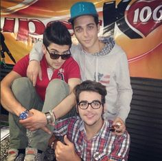 I love Ignazio with glasses :)