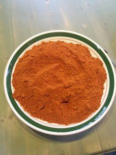 Kuivattua, jauhettua tyrnin kuorta ja siementä