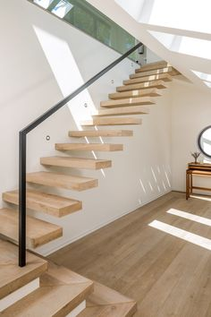 Modern Staircase, Luxury Interior Design, Home Goods, Stairs, House Design, Living Room, Architecture, Home Decor, Amazing