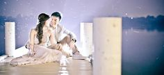 The reflection of the light is awesome. The be shoot after the wedding. Pre Nuptial Photos, Prenup Photos Ideas, Wedding Planning Guide, Couple Posing, Engagement Photos, Reflection, Wedding Photos, Dream Wedding, Shots