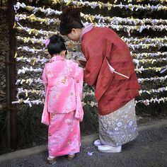 Hatsumode - 初詣 The first shrine visit of the New Year in Japan.... by ajpscs via Flickr