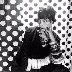Chic Performer | | #NancyCunard (1896-1965) in un mitico ritratto di #CecilBeaton. Maliarda e impegnata attivista e totem estetico è diventata lesponente di un esotismo sofisticato e molto pensante  #MClikes_IconeDiStile #MClikes #MClikestimeless #Womansday #8marzo #Festadelladonna #Chic #FashionVintage Foto: Cecil Beaton #CameraPress Contrasto  via MARIE CLAIRE ITALIA MAGAZINE OFFICIAL INSTAGRAM - Celebrity  Fashion  Haute Couture  Advertising  Culture  Beauty  Editorial Photography…