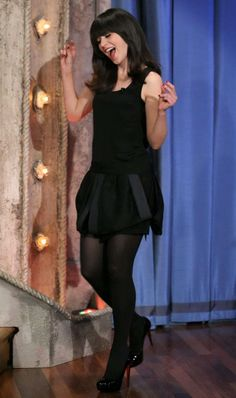 Zooey Deschanel in a drop-dead-gorgeous black outfit. Pantyhose Outfits, Nylons, Black Pantyhose, Zooey Deschanel Style, Zoey Deschanel, Mini Skirt Dress, Skater Skirt, Mini Skirts, Frack
