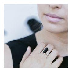 black quartz ring / Liê