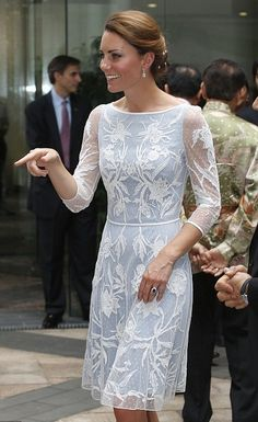 Another day, another dress worn by Kate Middleton that I wish was in my closet...