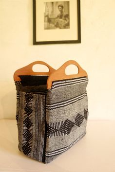 Mexican Hand-Woven Purse with Wooden Handle in Black Hermosa