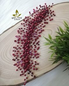 Görüntünün olası içeriği: 1 kişi Jewelry Christmas Tree, Abaya Designs, Bridal Hair Pins, Hair Beads, Fascinators, Headgear, Flower Making, Hair Jewelry, Headpiece