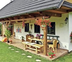 S liškami ve znaku Pergola Designs, Patio Design, Exterior Design, Village House Design, Village Houses, Cabin Homes, Cottage Homes, Style At Home, House In The Woods